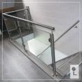 Glazen-balustrade-overloop-L-vorm
