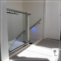glazen-balustrade-zwevend-overloop-led
