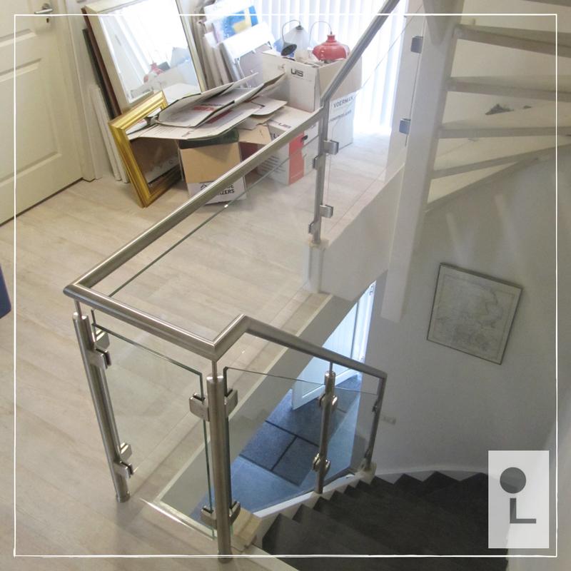 glazen-balustrade-overloop-standaard