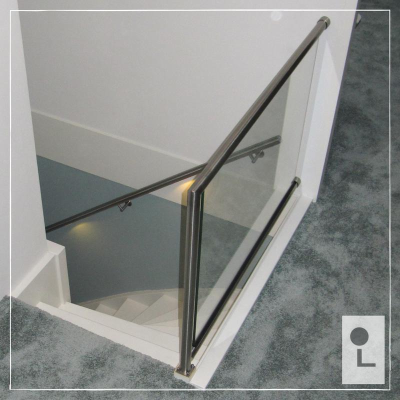 glazen-balustrade-overloop-zwevend