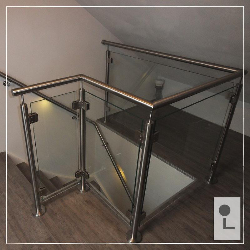 glazen-balustrade-zolder-LED-leuning