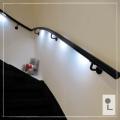 zwarte-trapleuning-LED-gebogen
