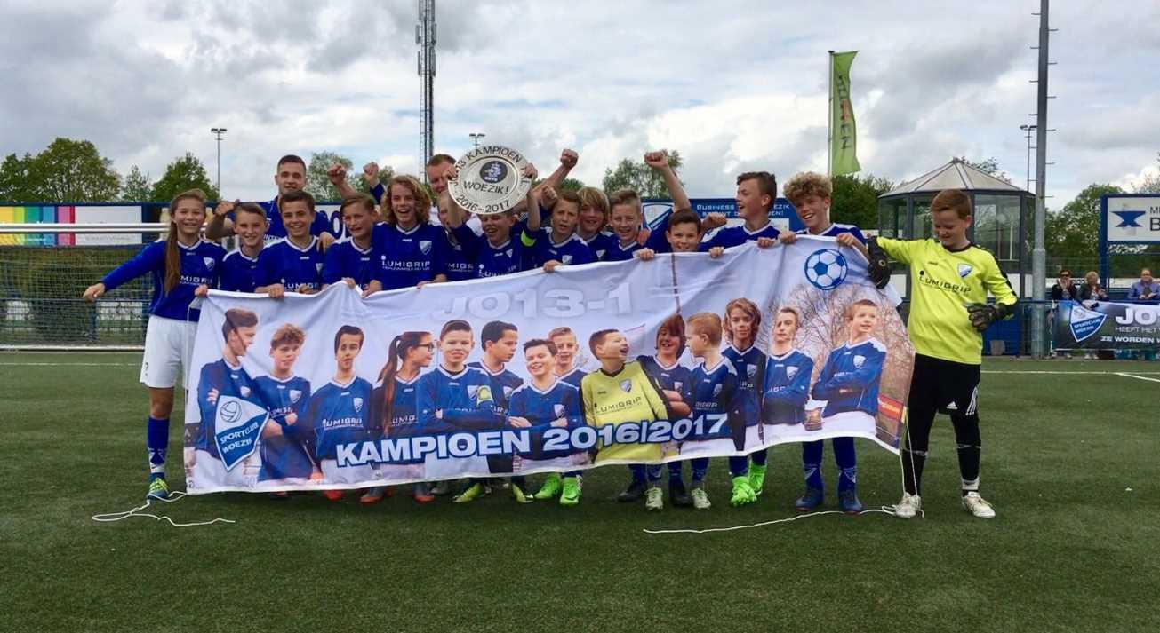 Lumigrip voetbalteam Woezik JO13-1 kampioen 2016-2017